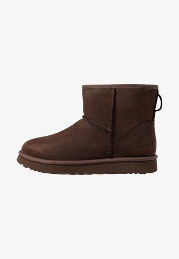 CLASSIC MINI - Støvletter - brownstone