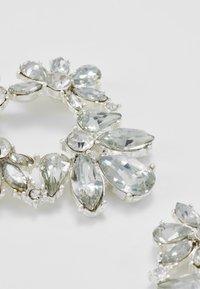 Pieces - PCJULIETTE EARRINGS - Øredobber - silver-coloured - 4