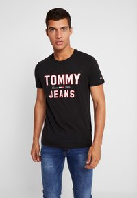 Tommy Jeans - ESSENTIAL 1985 LOGO TEE - Print T-shirt -  black - 0