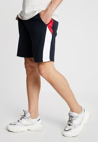 Brave Soul - CULLEN - Shorts - navy/red/white - 0