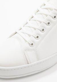 ETQ - COURT VEGEA® - Trainers - white - 5
