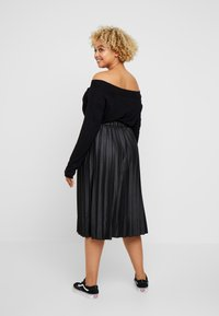 Lost Ink Plus - PLEATED SKIRT IN COATED - A-Linien-Rock - black - 2
