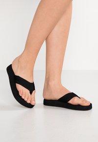 Reef - SANDY - Sandály s odděleným palcem - black - 0