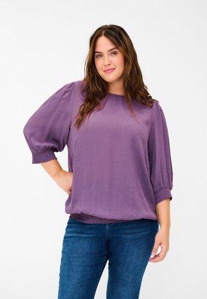 Blouse - vintage violet