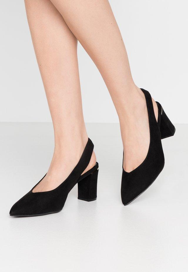 WIDE FIT EMILY BLOCK HEEL SLINGBACK COURT - Classic heels - black