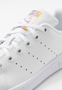 adidas Originals - STAN SMITH - Sneakers laag - footwear white/core black - 2