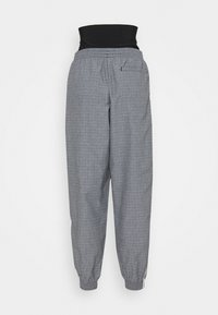 adidas Originals - TRACKPANTS - Joggebukse - black/white - 7