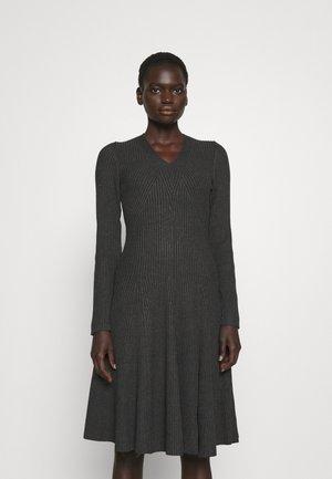 FASHION DRESS - Strickkleid - cloudy grey
