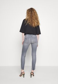 CLOSED - SKINNY PUSHER  HIGH WAIST CROPPED LENGTH - Jeans Skinny Fit - mid grey - 2