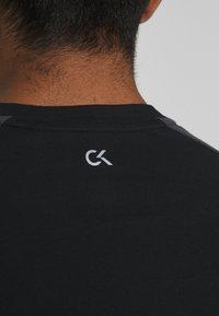 Calvin Klein Performance - SHORT SLEEVE - T-Shirt print - black - 5