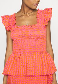 Never Fully Dressed - GINGHAM  - Pusero - orange - 5