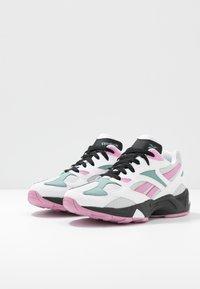 Reebok Classic - AZTREK 96 - Sneaker low - white/jasmine pink/green slate - 4