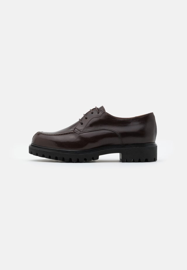 Derbies - astor espresso