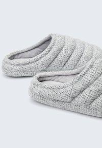OYSHO - Slippers - grey - 3