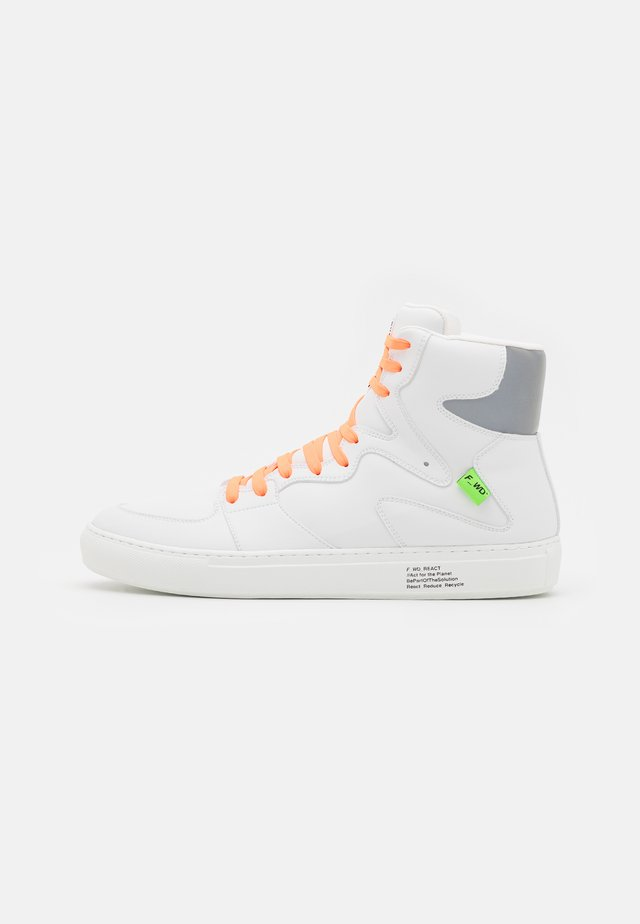 XP3_SLASHER - High-top trainers - white