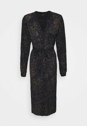 VMGILLEA SHIRT DRESS VIP - Day dress - dark olive/gillea