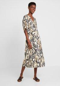 Culture - CUNIVI DRESS - Skjortekjole - whitecap - 0