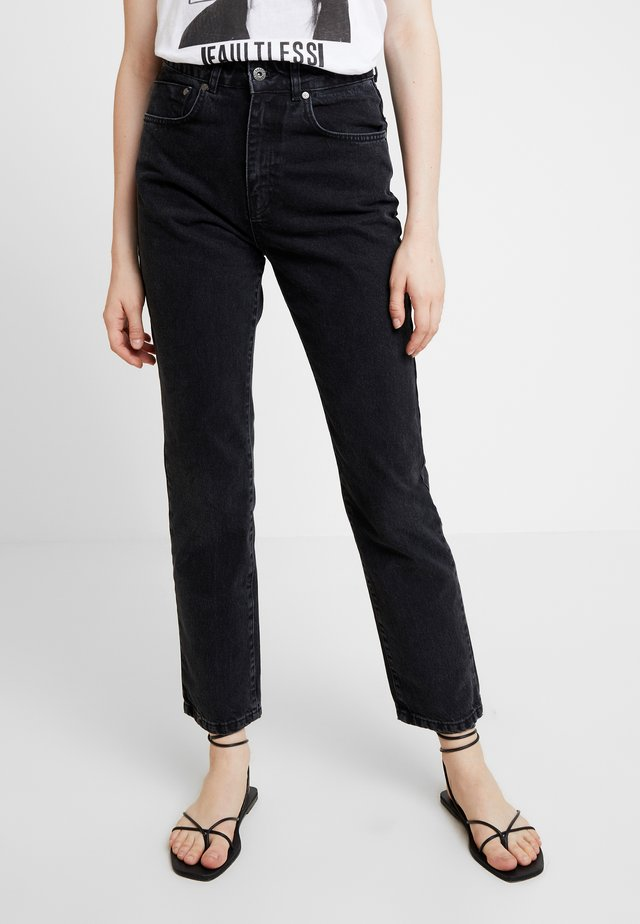 BUTT CUT - Jean boyfriend - charcoal