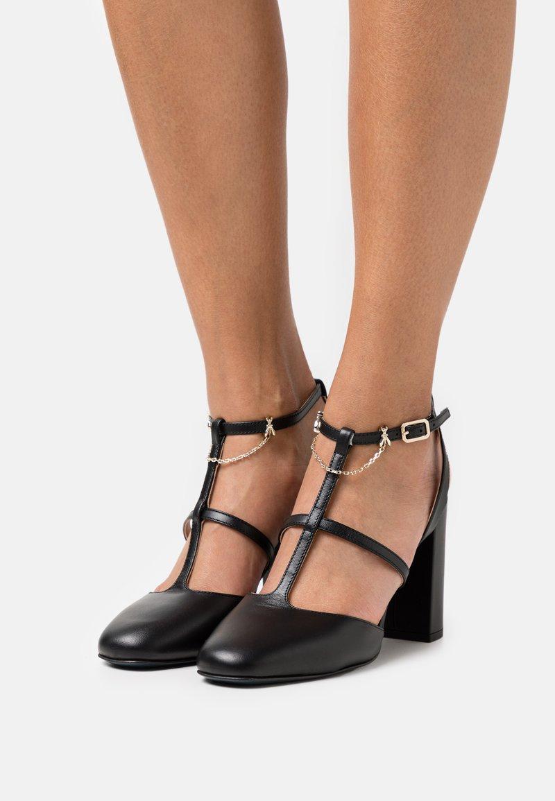 Patrizia Pepe - Sandals - nero