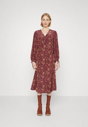 FIFI DRESS - Denní šaty - solstice bordeaux