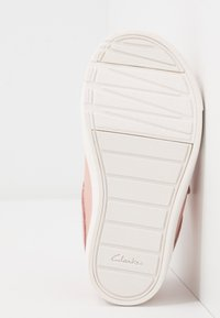 Clarks - CITY OASISLO - Trainers - pink - 5