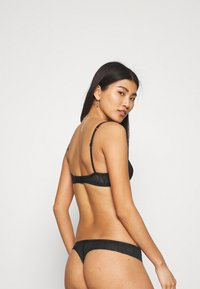 Calvin Klein Underwear - SHEER MARQUEISETTE UNLINED - Triangle bra - black - 2