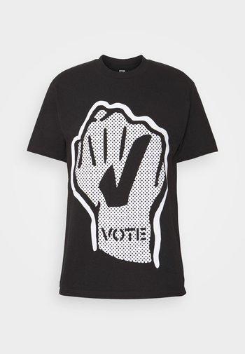 VOTE FIST