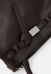 SURI FREY - SINDY - Handbag - brown - 5