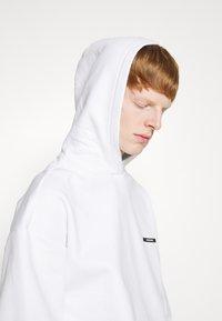 9N1M SENSE - SILENT FLOWERS HOODIE UNISEX - Sweatshirt - white - 6