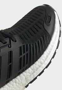 adidas Performance - ULTRABOOST DNA CC_1 CLIMA RUNNING - Scarpe da corsa stabili - black - 5