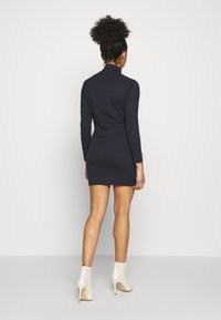 Missguided Petite - REFLECTIVE PIPING BODYCON MINI DRESS CODE CREATE - Vestido de tubo - navy