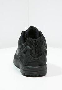 adidas Originals - ZX FLUX - Trainers - schwarz - 3