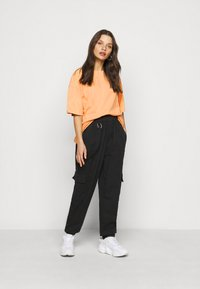 Missguided Petite - WASHED OVERSIZE TEE - T-shirts - orange - 1