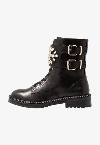 STOOP - Bottines à lacets - black