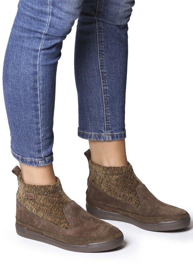 GIGI-ST - Sneakers basse - caqui