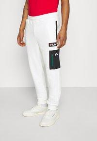 Fila - CLEM PANT - Teplákové kalhoty - blanc de blanc/black - 0