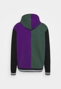 Karl Kani - VARSITY BLOCK HOODIE UNISEX  - Sweatshirt - darkgreen - 8