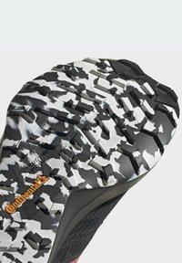 adidas Performance - TERREX SPEED FLOW  - Obuwie do biegania Szlak - black - 8
