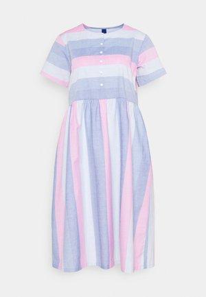DELPHINE DRESS - Paitamekko - pink