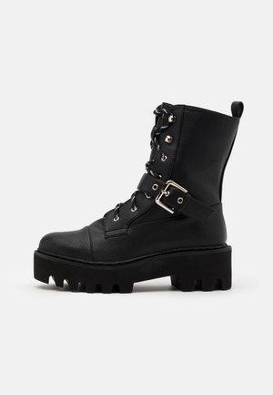 BASIC LACE UP COMBAT BOOTS - Cowboy/biker ankle boot - black