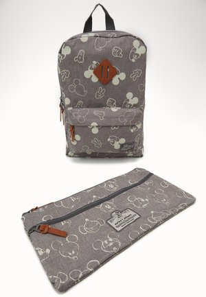 PENCIL CASE & BACKPACK MICKEY MOUSE 90TH ANNIVERSARY SET - Skoletaske sæt - grey