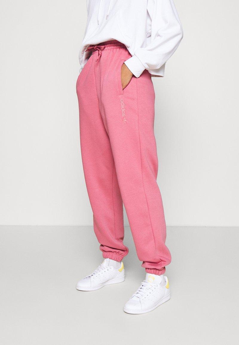 adidas Originals - PANT - Pantalon de survêtement - trace maroon