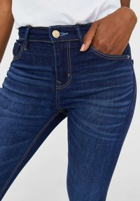 Stradivarius - TIEFEM BUND  - Jeans Skinny Fit - blue denim - 3