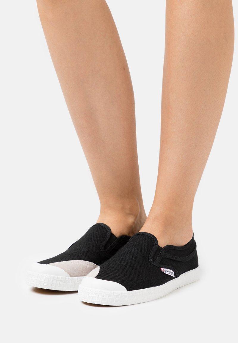 Kawasaki - CLASSIC - Sneakersy niskie - black