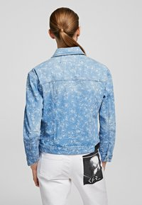 KARL LAGERFELD - Kurtka jeansowa - printed denim - 1