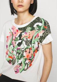 Marc Cain - Print T-shirt - off white - 3