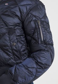 Tommy Jeans - TJW DIAMOND QUILTED BOMBER - Bomber Jacket - twilight navy - 5