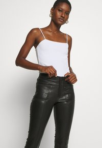 Ibana - ESTELLE - Leather trousers - black - 3
