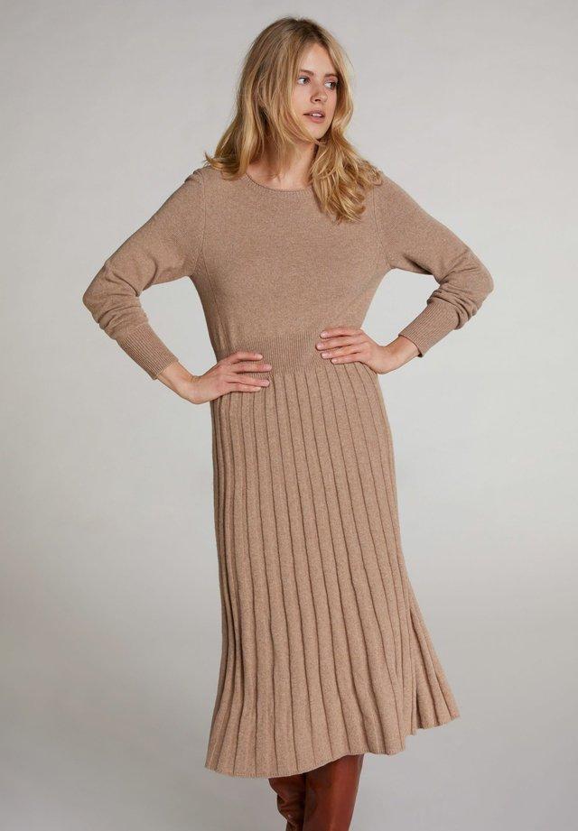 Jumper dress - beigemel