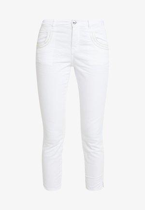 MUSCAT 7/8 PANT - Skinny-Farkut - white